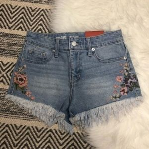 Mossimo floral frayed high rise shortie shorts